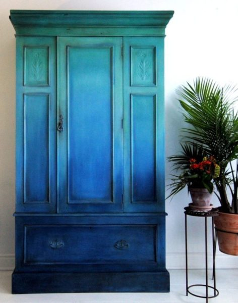 Talking all things upligting paint colours with Annie Sloan